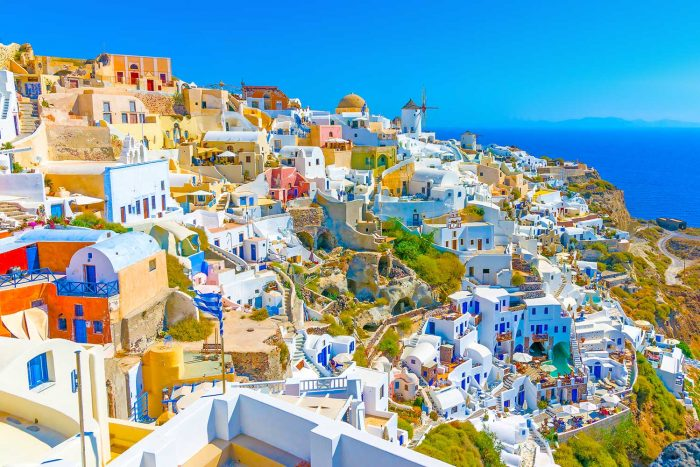 £120 off on Greece package holidays with Expedia through your Hive360 app